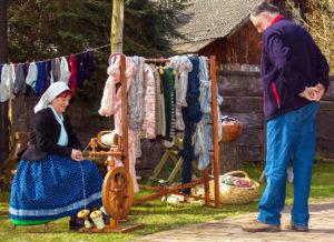 am Spinnrad beim Spreewald- und Schützenfest Lübbenau