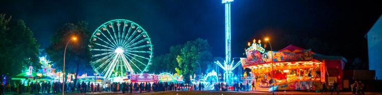 Veranstaltungen in Brandenburg, Spreewaldfest in Lübben, Blick auf einen Teil der Kirmis